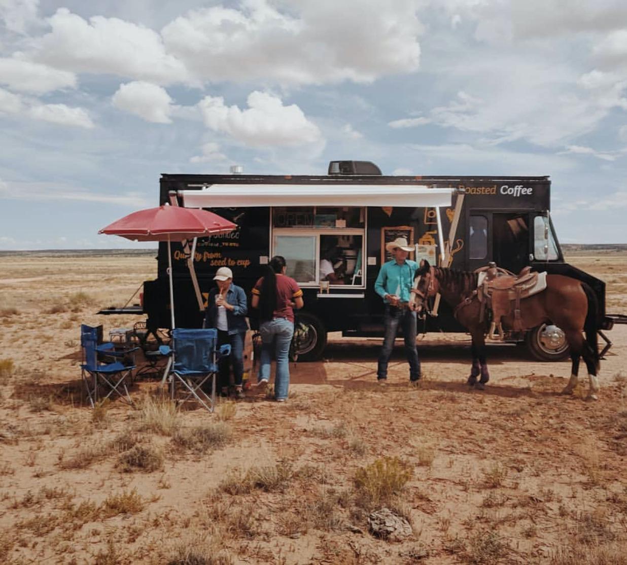 Empresàries del cafè a la reserva Navajo